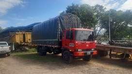 Se vende camion o se permuta por mula o minimula