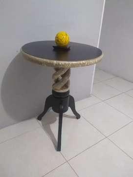 Mesa coqueta