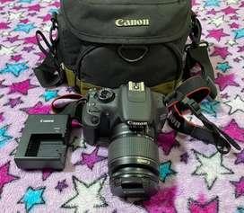 Camara Canon 1200D o T5