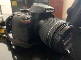 Nikon D3400 con estuche, correa, cargador, memoria de 16g