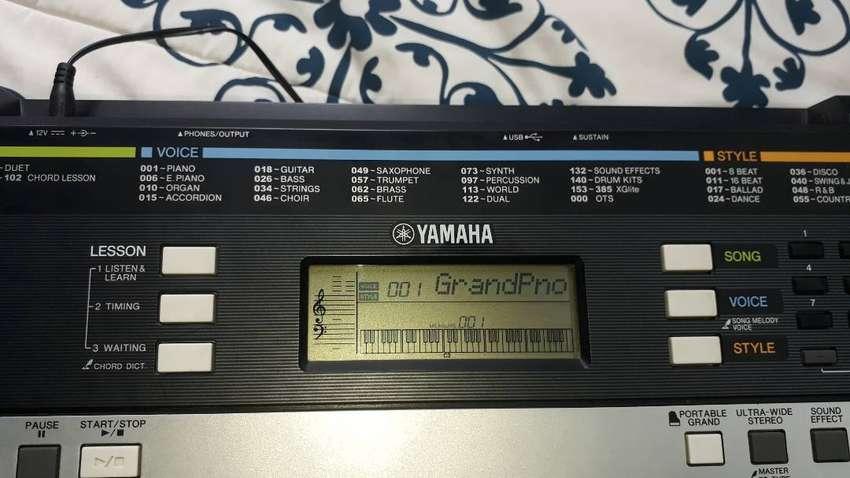 Piano YAMAHA  PSR-E243 0