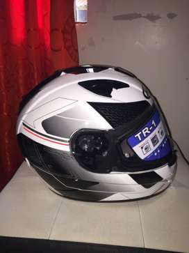 Vendo casco integral TR 1 HJC