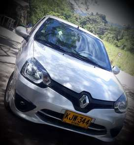 VENDO RENAULT CLIO STAILY SPORTS FULL EQUIPO  MODELO 2016
