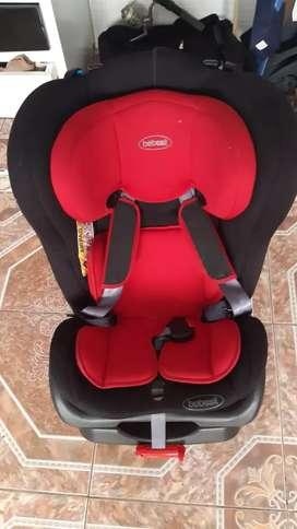 Se vende espectacular silla para carro