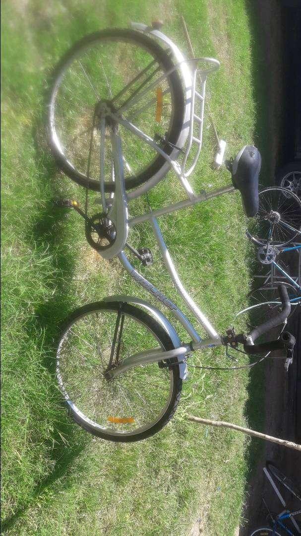 vendo bicicleta de mujer 0