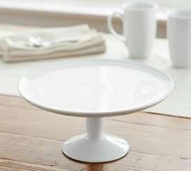 Pedestal En Porcelana Blanca Para Postres Pottery Barn, ACEPTAMOS BITCOIN COMO MEDIO DE PAGO.