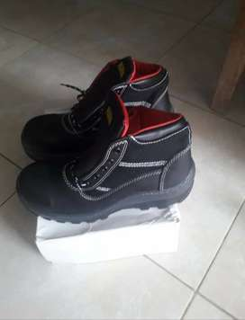 Vendo zapatos talla 42