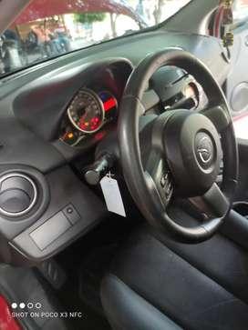 Se vende Mazda 2