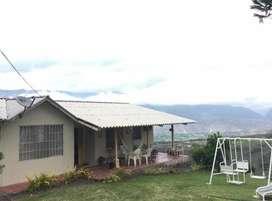 Casa de venta con 4000mts en Yunguilla