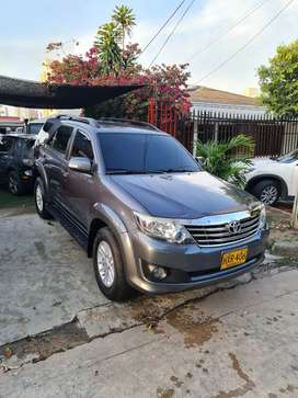Toyota fortuner 2015 automatica 4x2