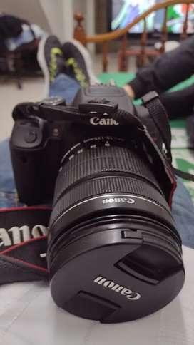 Camara canon T5I , con lente 18-135