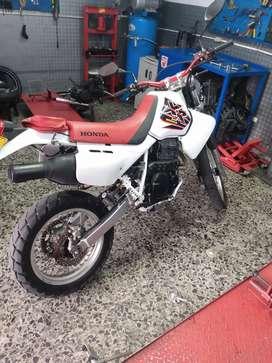 Se solicita mecánico eléctrico d motos d alto y bajo cilindraje