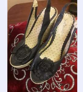 Sandalias de cuero con plataforma número 39