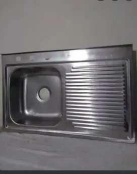 Lavaplatos en acero con soporte