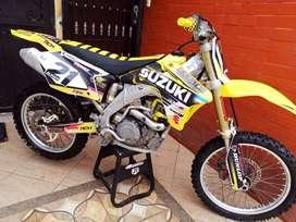 Vendo moto Suzuki RMZ 450cc MOTOCROSS 2006