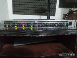Compresor beringer mdx 2200