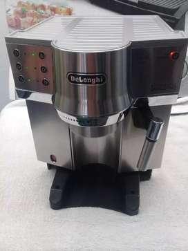 Cafetera capuchera DELONGHI