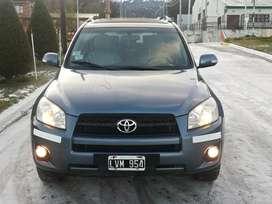Toyota Rav 4x4 full, cuero y techo