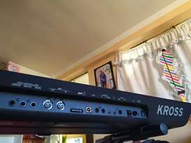 Vendo mi Korg Kross 2 semi nuevo con full samples