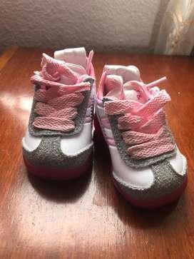 Zapatos bebe niña talla 17