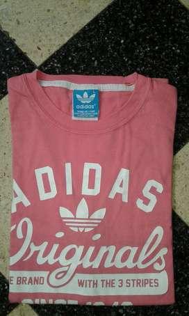 Remera Adidas Talle L