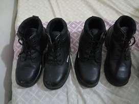 Vendo 2 pares de botas