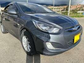 Vendo Hyundai i25 modelo 2012 motor 1.6 sin aire acondicionado placas de Bogotá