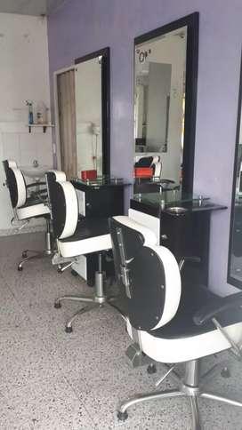 Se venden muebles de peluquería