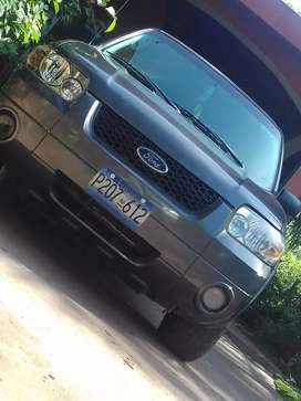 Vendo Ford escape a reparar