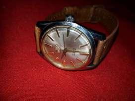 Vendo permuto  cambio  clásico   reloj  ROYCE  DE CUERDA