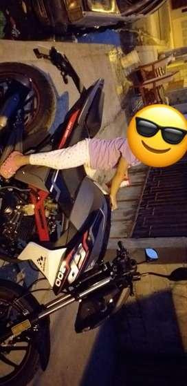 Vendo moto shineray tiene solo un mes esta nueva no la uso la vendo en 4000 mil me costo 5000