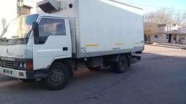 Vendo camión Mitsubishi con equipo de frío