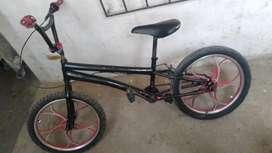 Se vende bicicleta para stunt biker