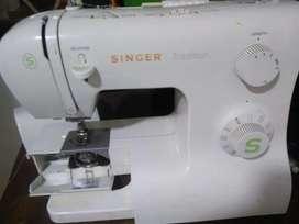 Máquina de coser singer tradition