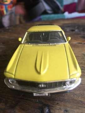 Carro de coleccion ford mustang 1970