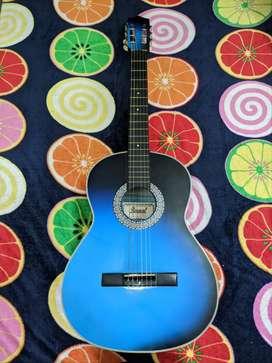 Guitarra Acústica en perfecto estado.
