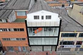 Vendo/Permuto Edificio de 4 pisos, 240mts2 cada piso ubicado en el 7 de Agosto