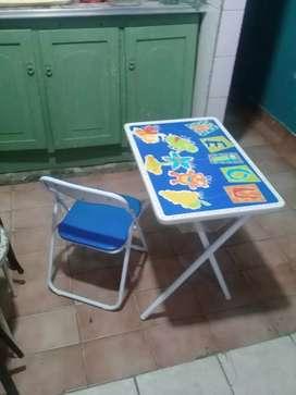 Set abc de silla y escritorio. Sin uso nuevo