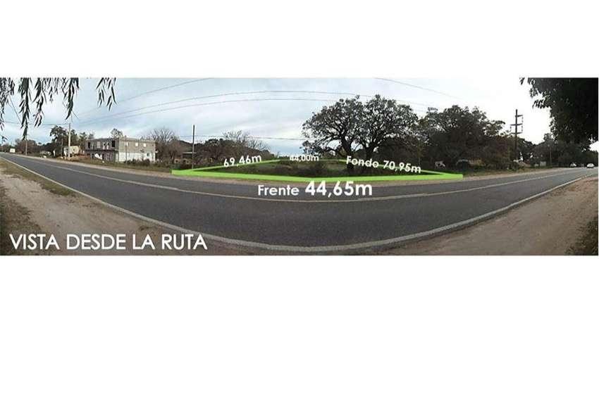 Vende 3.100m2 de Terreno comercial s/ Ruta 0
