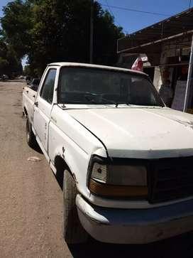 Vendo camioneta F_100 modelo 82 ,lista para transferir