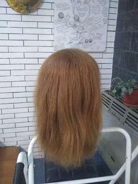 Cabeza de práctica para peluquería con 100% pelo natural