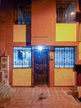 Arriendo casa en Santa Ana sector Serramonte