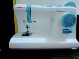 Maquina de coser Toyota 15 CB