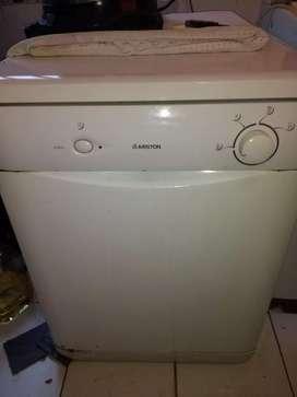 Lavavajilla  ariston usado