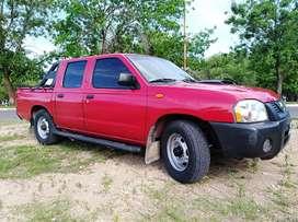 Pick Up Nissan NP300 2.5TDI 4x2 doble cabina