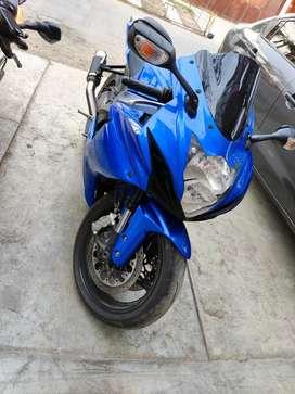 SUZUKI GSXR600 2011 PERFECTO ESTADO