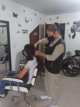 Se alquila puesto de peluqueria
