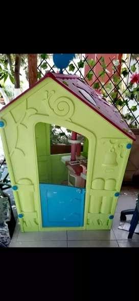 Casa plástica para niños