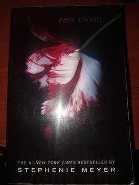 Libro NEW MOON-Stephenie Meyer (INGLES)