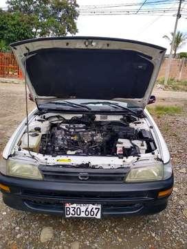 Toyota corolla (esteishon)año 2000